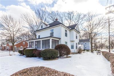 Royal Oak Single Family Home For Sale: 902 E 4th St