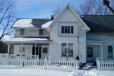 St. Clair Single Family Home For Sale: 215 Saint Clair River Dr