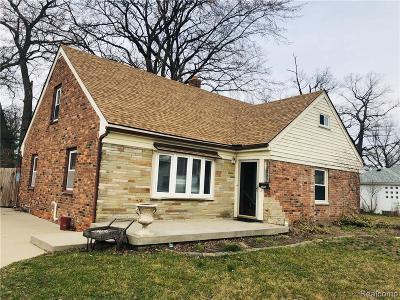Hazel Park Single Family Home For Sale: 23721 Battelle Ave