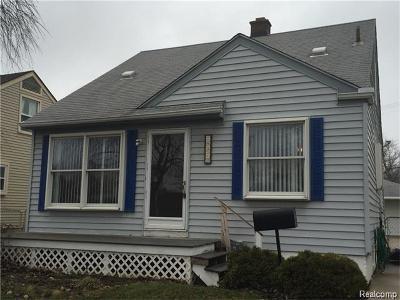 Saint Clair Shores Single Family Home For Sale: 28020 Hughes St