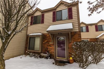 Rochester Hills Condo/Townhouse For Sale: 1555 Streamwood Crt