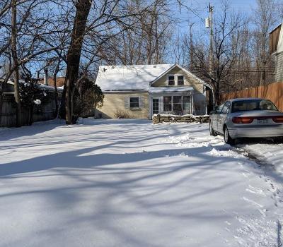 Royal Oak Single Family Home For Sale: 707 Gardenia Ave
