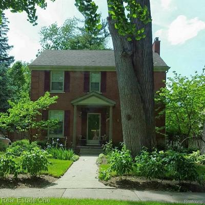 Huntington Woods Single Family Home For Sale: 25831 Ivanhoe