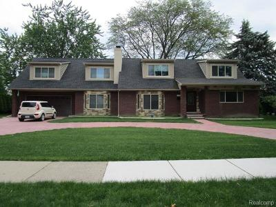Dearborn Single Family Home For Sale: 536 Brentwood Dr