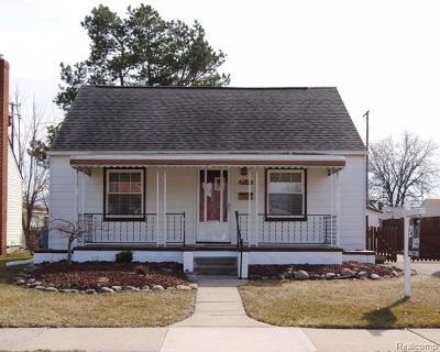 Center Line Single Family Home For Sale: 7530 Henry
