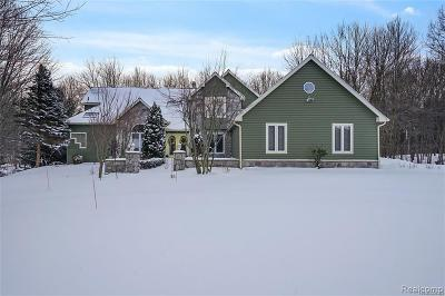Clarkston Single Family Home For Sale: 5317 Greenview Dr