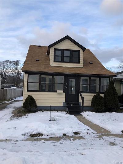 Hazel Park Single Family Home For Sale: 86 W Mapledale Ave