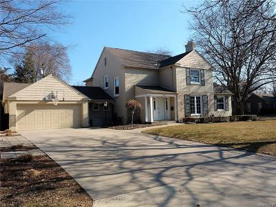 Grosse Pointe Woods Single Family Home For Sale: 790 S Oxford Rd