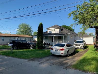 Harrison Twp Single Family Home For Sale: 37828 Maplehill