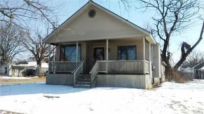 Flint Single Family Home For Sale: 2701 Swayze St