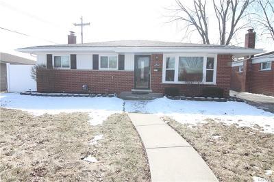 Saint Clair Shores Single Family Home For Sale: 22018 Timberidge St