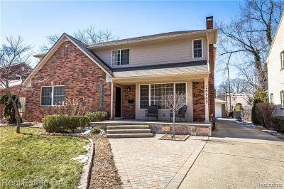 Huntington Woods Single Family Home For Sale: 26669 Huntington Rd