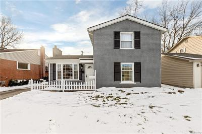 Royal Oak Single Family Home For Sale: 3215 Clawson Ave