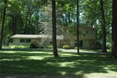 Bloomfield Hills Single Family Home For Sale: 5424 Bywood Rd