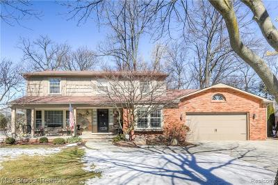 Bloomfield Hills Single Family Home For Sale: 2753 Aldgate Dr