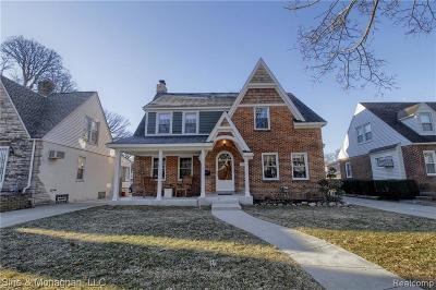 Royal Oak Single Family Home For Sale: 1715 W Houstonia Ave