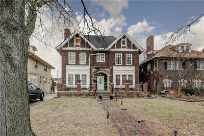 Detroit Single Family Home For Sale: 2036 W Boston Blvd