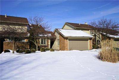 West Bloomfield Condo/Townhouse For Sale: 5659 Hillcrest Cir E