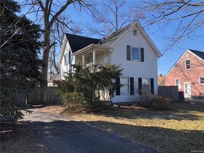 Royal Oak Single Family Home For Sale: 1018 E Twelve Mile Rd