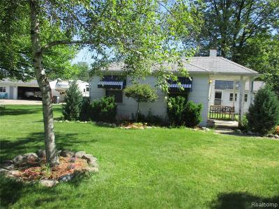 Macomb Single Family Home For Sale: 25925 Campau Ln