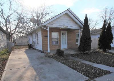 Warren Single Family Home For Sale: 11116 Essex Ave