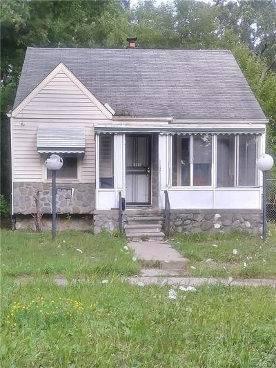 Detroit Single Family Home For Sale: 19710 Biltmore St