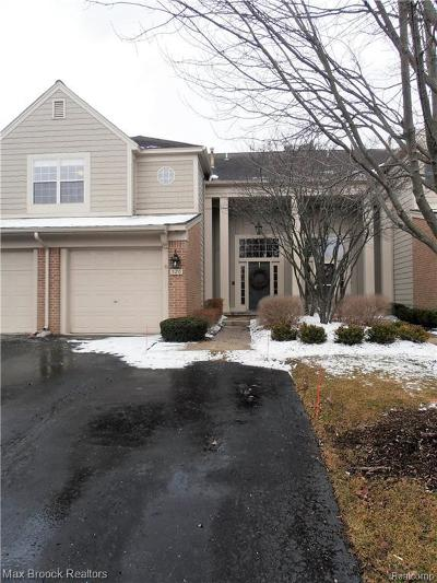 Bloomfield Hills Condo/Townhouse For Sale: 526 Newburne Pointe