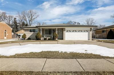 Warren Single Family Home For Sale: 25550 Curie Ave