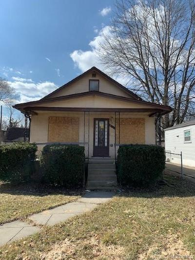 Macomb Single Family Home For Sale: 20811 Gentner St