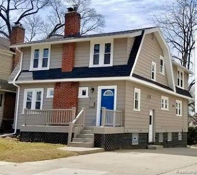 Royal Oak Single Family Home For Sale: 815 Forestdale Rd