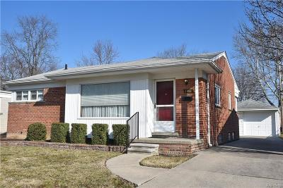 Royal Oak Single Family Home For Sale: 1411 Woodlawn Ave