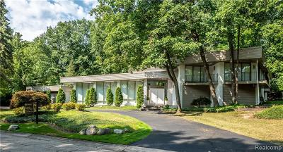 Bloomfield Hills Single Family Home For Sale: 1753 Long Lake Shore Dr