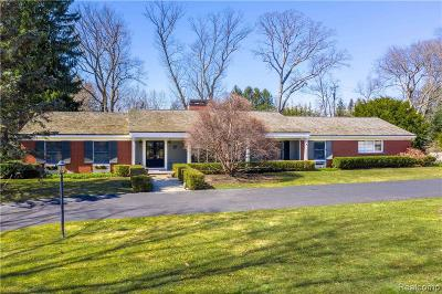Bloomfield Hills Single Family Home For Sale: 3720 Burning Tree Dr