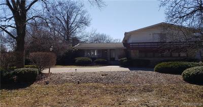 Farmington Hills Single Family Home For Sale: 22461 Heathersett
