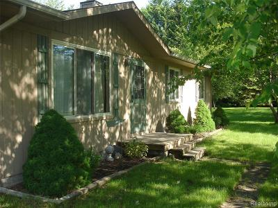 Algonac  Single Family Home For Sale: 8244 McKinley