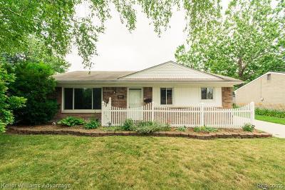 Fraser Single Family Home For Sale: 33170 Fraser Ave