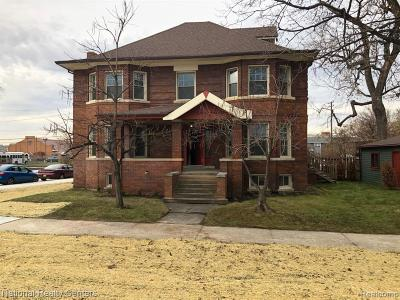 Detroit Single Family Home For Sale: 401 E Edsel Ford Fwy