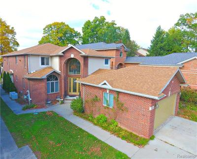 West Bloomfield Single Family Home For Sale: 1904 Cass Lake Front Road