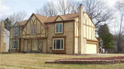 West Bloomfield Single Family Home For Sale: 5745 Greenbriar Dr