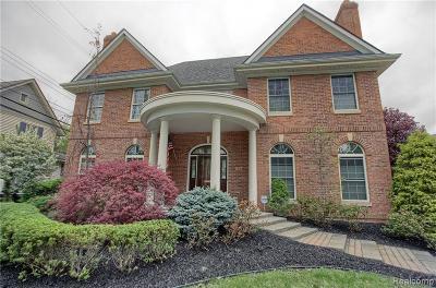 Rochester Single Family Home For Sale: 517 Oak St