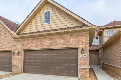 Clinton Township Condo/Townhouse For Sale: 16695 Savor Lane