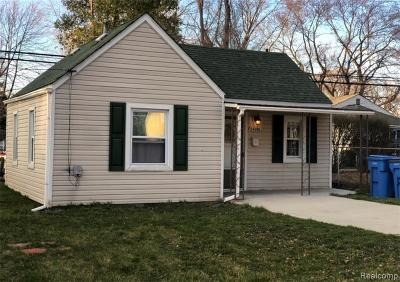 Dearborn Heights Single Family Home For Sale: 24096 Pennie St