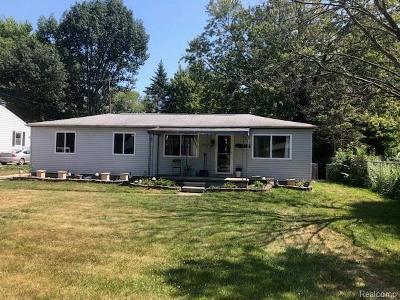 Burtchville Single Family Home For Sale: 6520 Bunker Rd