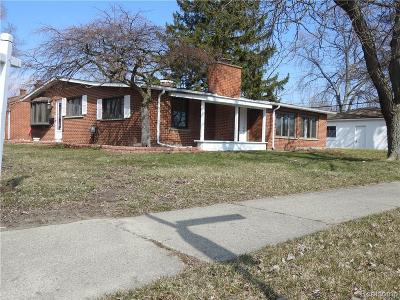 Clinton Township Single Family Home For Sale: 35508 Silvano St