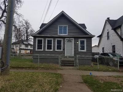 Pontiac Single Family Home For Sale: 144 Prospect St