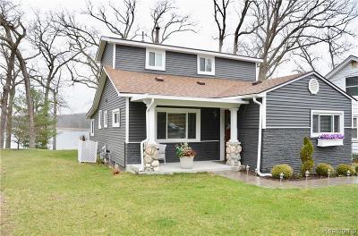Clarkston Single Family Home For Sale: 4626 Rockcroft Blvd