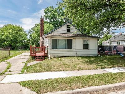 Eastpointe Single Family Home For Sale: 23077 Piper Ave
