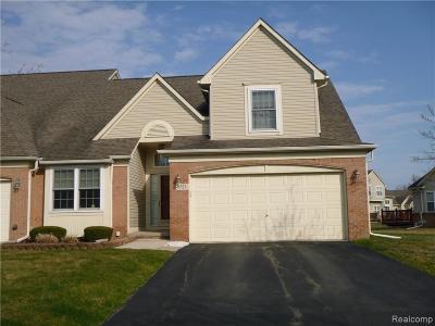 Trenton Condo/Townhouse For Sale: 5523 Elmhurst Dr