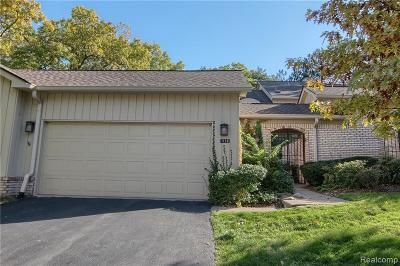 Bloomfield Hills Condo/Townhouse For Sale: 1130 Timberview Trl