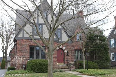 Grosse Pointe Single Family Home For Sale: 466 Lincoln Rd